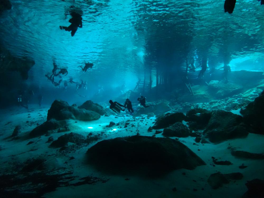Cenote dos Ojos Mexico duiken